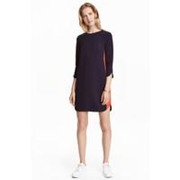 H&M Krótka sukienka 0402254001 Ciemnoniebieski/Czerwony