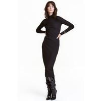 H&M Sukienka z półgolfem 0428088002 Czarny