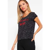 Q/S designed by T-shirt z nadrukiem black QS121D0F1