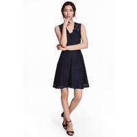 H&M Koronkowa sukienka w serek 0468246006 Ciemnoniebieski