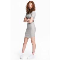 H&M Sukienka w prążki 0519929002 Szary