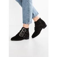 Topshop KROWN Ankle boot black TP711N06O