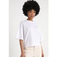 Weekday SEDONA T-shirt z nadrukiem white WEB21D01H