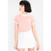 Nike Sportswear RINGER T-shirt z nadrukiem bleached coral/white NI121D0AJ