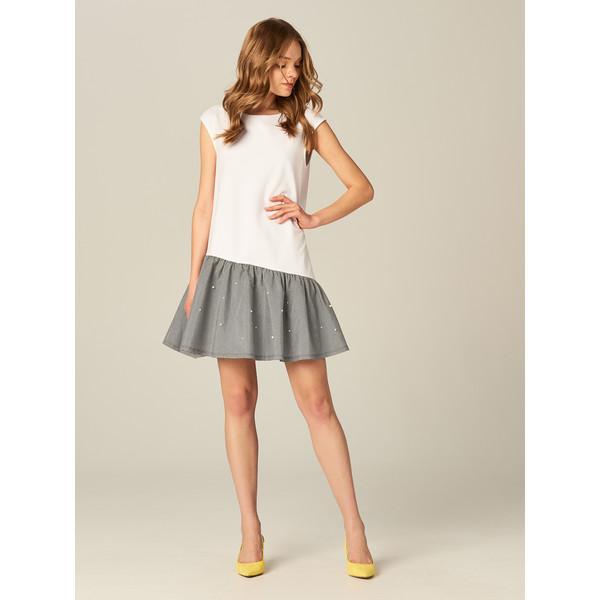 8283c13a67 Mohito Bawełniana sukienka ze zdobioną falbaną TX346-00X ...